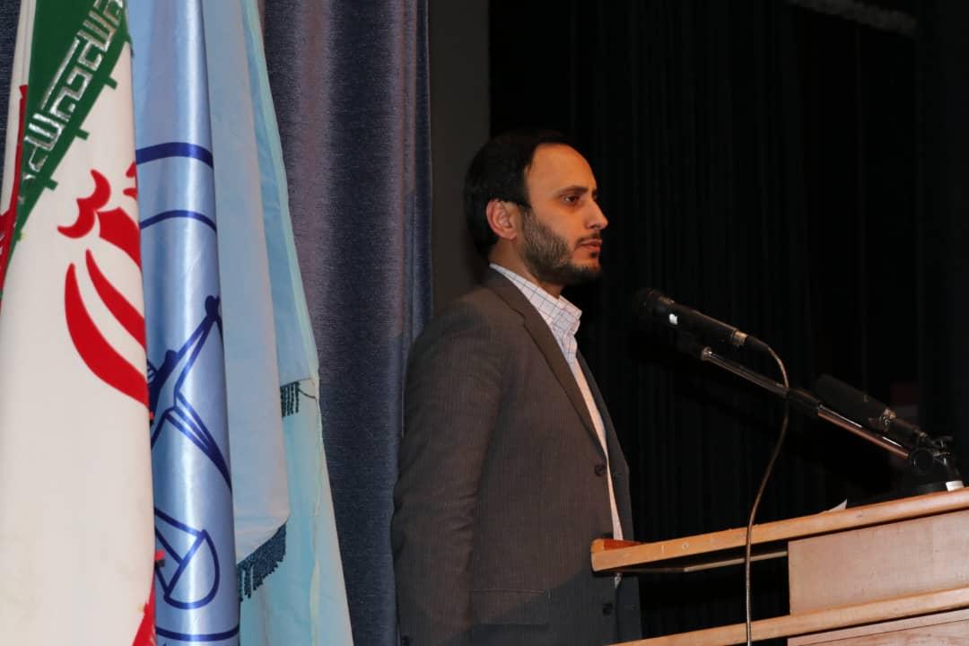 دکتر بهادری جهرمی در دهمین همایش ملی مرکز وکلای استان همدان